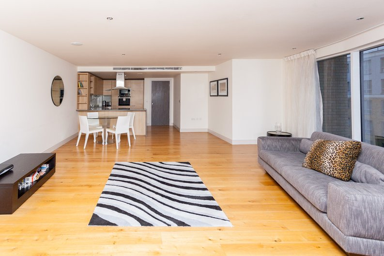 2 bedroom(s) apartment to sale in Octavia House, Townmead Road, Fulham-image 3
