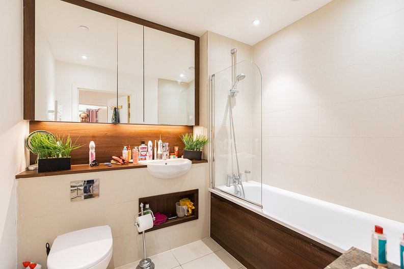 3 bedroom(s) apartment to sale in Olympic Way, Wembley, Greater London, London-image 4