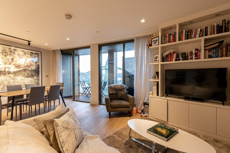 2 bedroom(s) apartment to sale in Queens Wharf, Crisp Road, Hammersmith-image 7