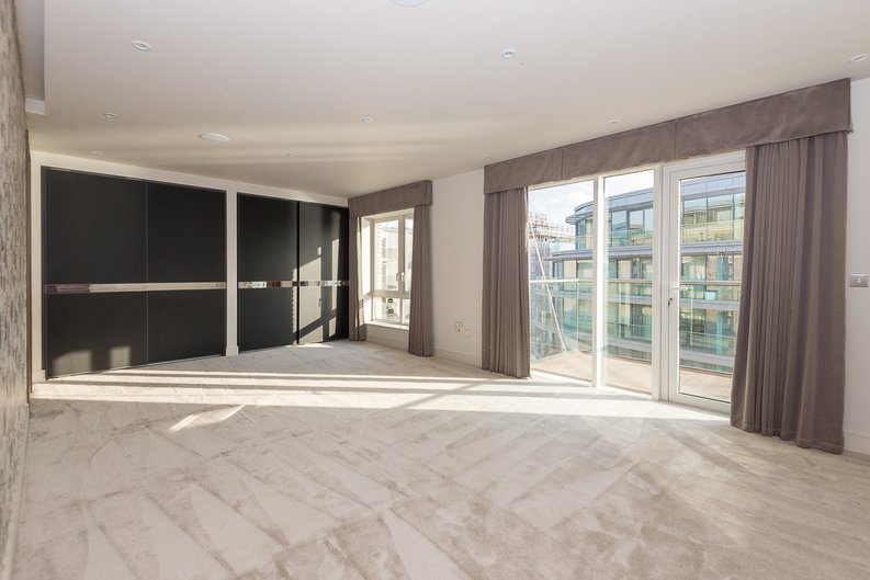 3 bedroom(s) apartment to sale in Distillery Wharf, Parr's Way, Hammersmith-image 6