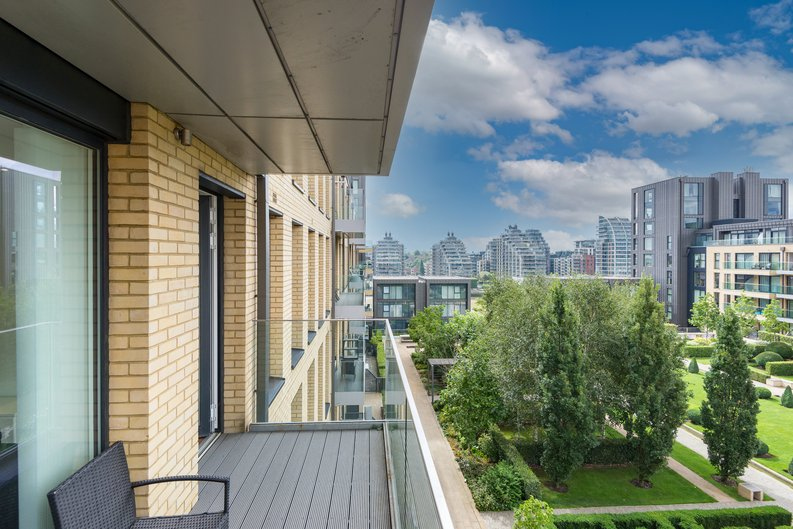 2 bedroom(s) apartment to sale in Westbourne Apartments , Central Avenue, Fulham Riverside, London-image 7