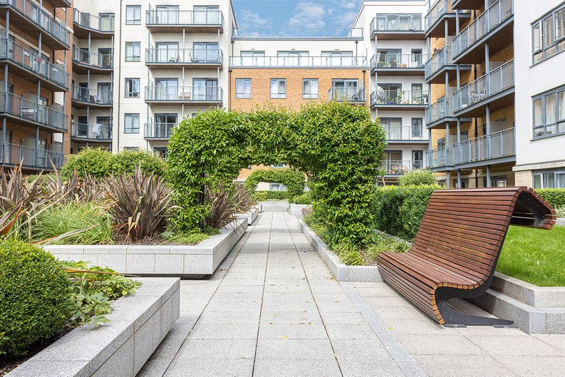 2 bedroom(s) apartment to sale in Aerodrome Road, Colindale, London-image 24