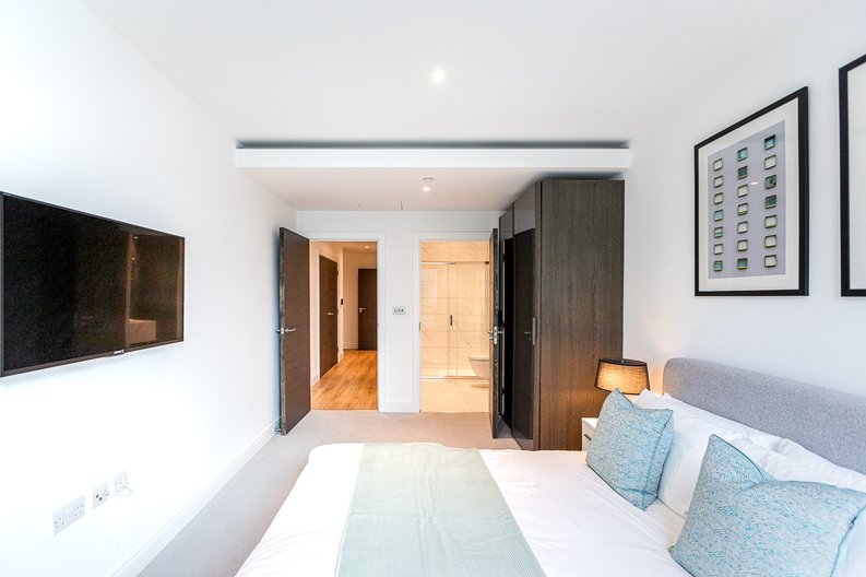 2 bedroom(s) apartment to sale in Marquis House, Sovereign Court, Hammersmith-image 18