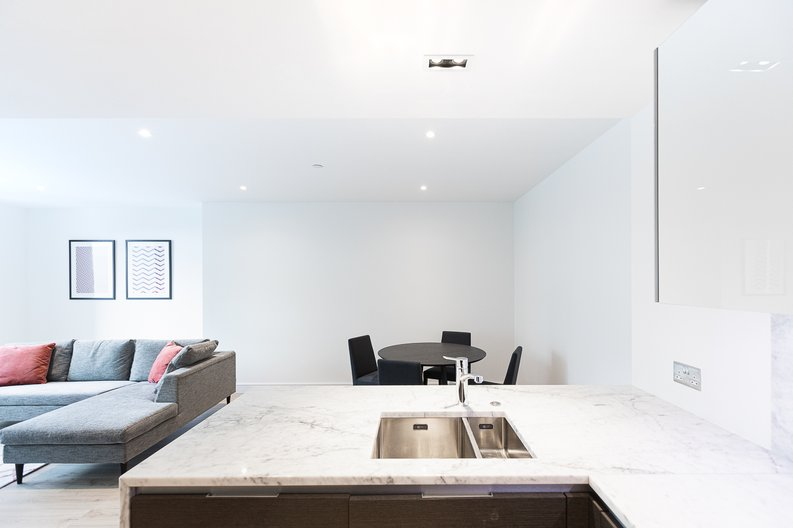 2 bedroom(s) apartment to sale in Marquis House, Sovereign Court, Hammersmith-image 17
