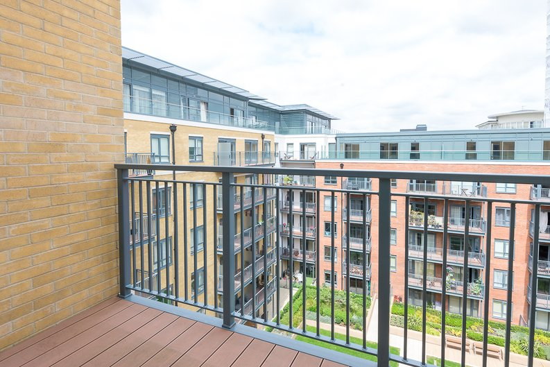 3 bedroom(s) apartment to sale in Carvell House, 22 Aerodrome Road, Beaufort Park, Colindale-image 8