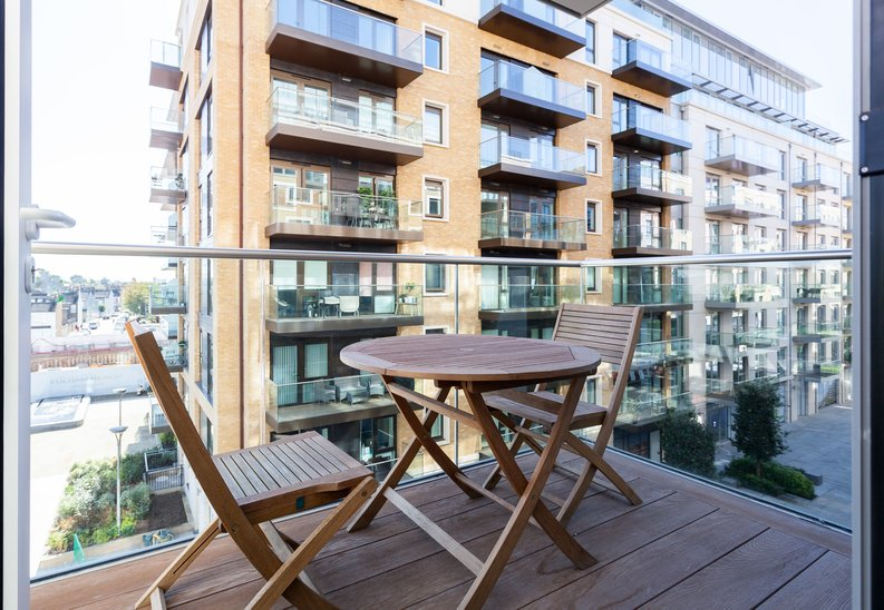 2 bedroom(s) apartment to sale in Brunswick House, Fulham Reach, Hammersmith-image 6