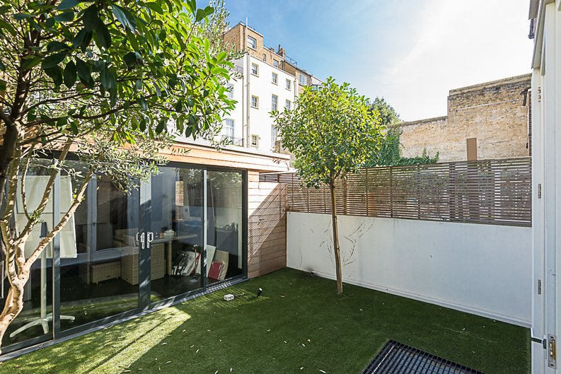 5 bedroom(s) house to sale in Cadogan Lane, Knightsbridge-image 15