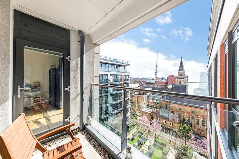 2 bedroom(s) apartment to sale in Belgravia House, Dickens Yard, Ealing, London-image 12