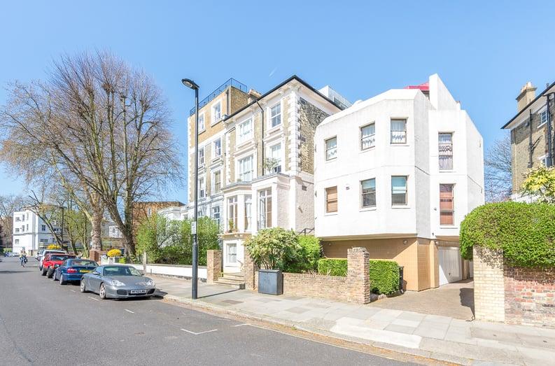 1 bedroom(s) apartment to sale in Upper Park Road, Belsize Park, London-image 1