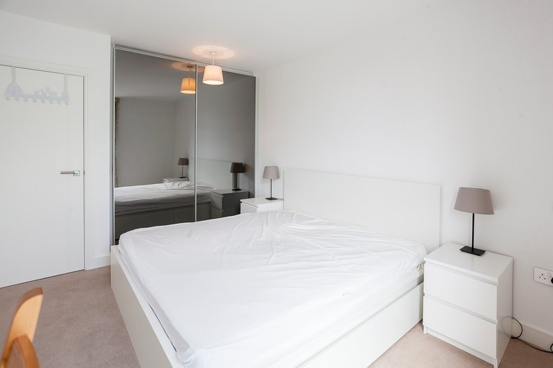 1 bedroom(s) apartment to sale in Lariat Apartments, Cable Walk, Greenwich, London-image 8