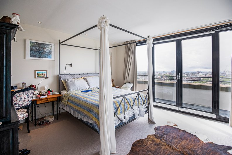 3 bedroom(s) apartment to sale in Cromwell Road, South Kensington, London-image 15