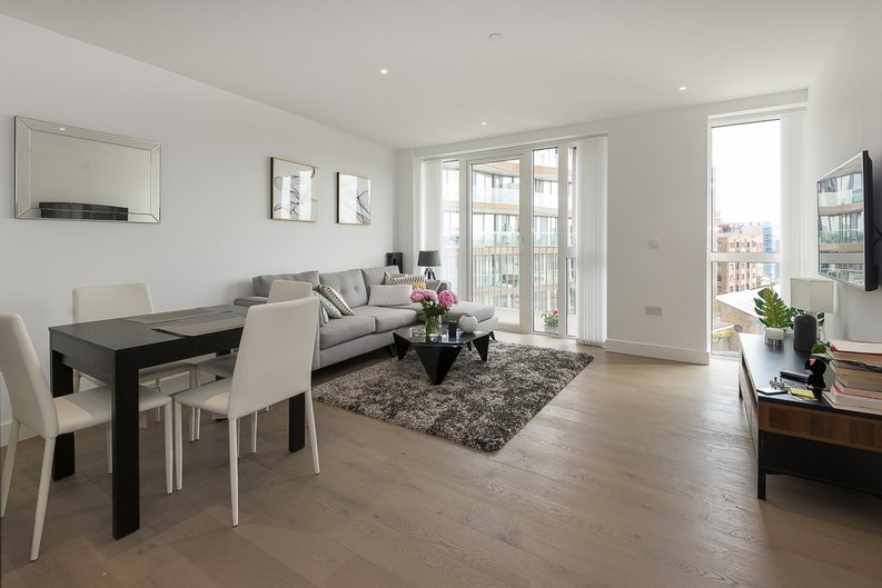 2 bedroom(s) apartment to sale in Admiralty House, Vaughan Way, London Dock, Wapping-image 1
