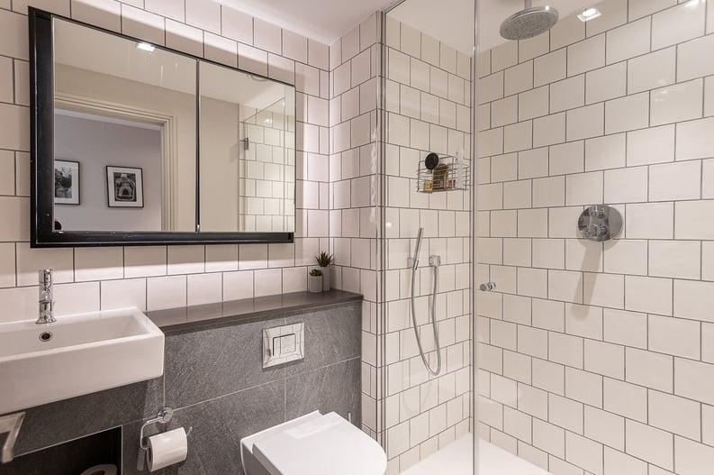 2 bedroom(s) apartment to sale in Queens Wharf, Crisp Road, Hammersmith-image 8