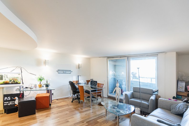 2 bedroom(s) apartment to sale in Westminster Bridge Road, Lambeth, London-image 6