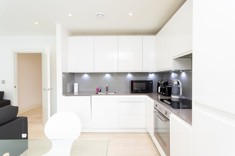 2 bedroom(s) apartment to sale in Bodiam Court, Park Royal-image 4