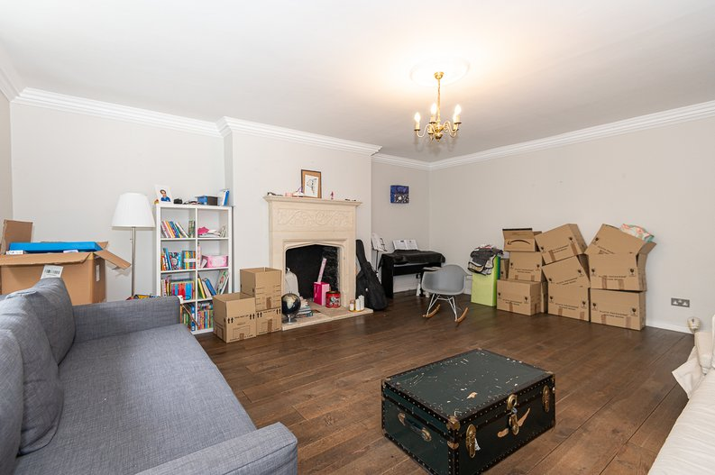 2 bedroom(s) apartment to sale in Thurlow Road, Hampstead, London-image 13