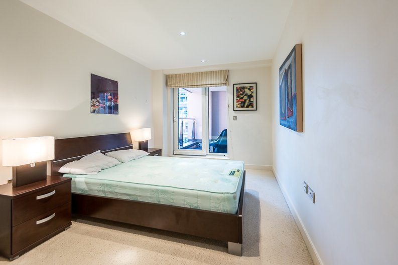 2 bedroom(s) apartment to sale in Fountain House, The Boulevard, Imperial Wharf, Fulham-image 3