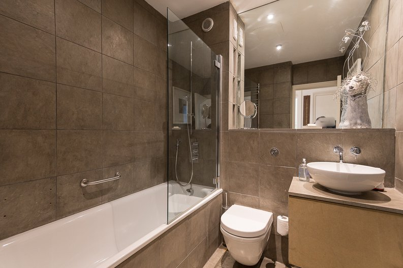 2 bedroom(s) house to sale in Queensberry Place, South Kensington-image 12