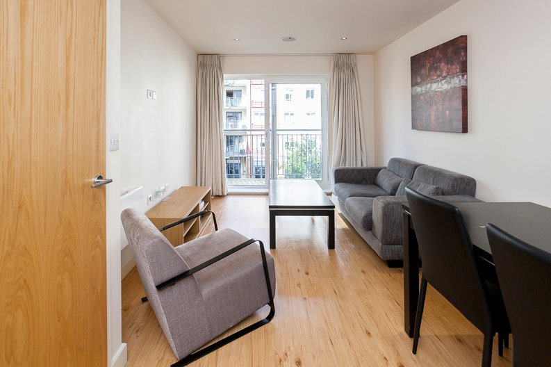 1 bedroom(s) apartment to sale in Croft House, 21 Heritage Avenue, Beaufort Park , London-image 9