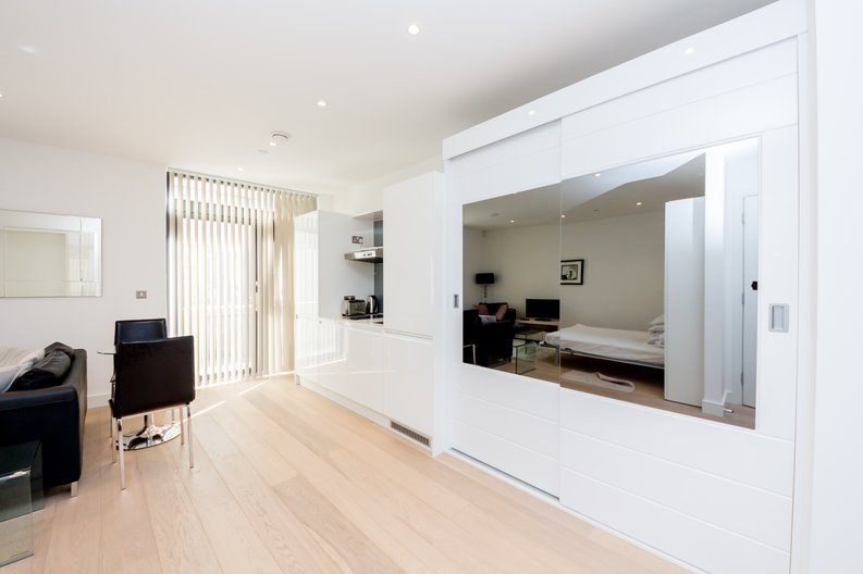 Studio apartment to sale in Kensington Apartments, 11 Commercial Street, Spitalfields , London-image 2