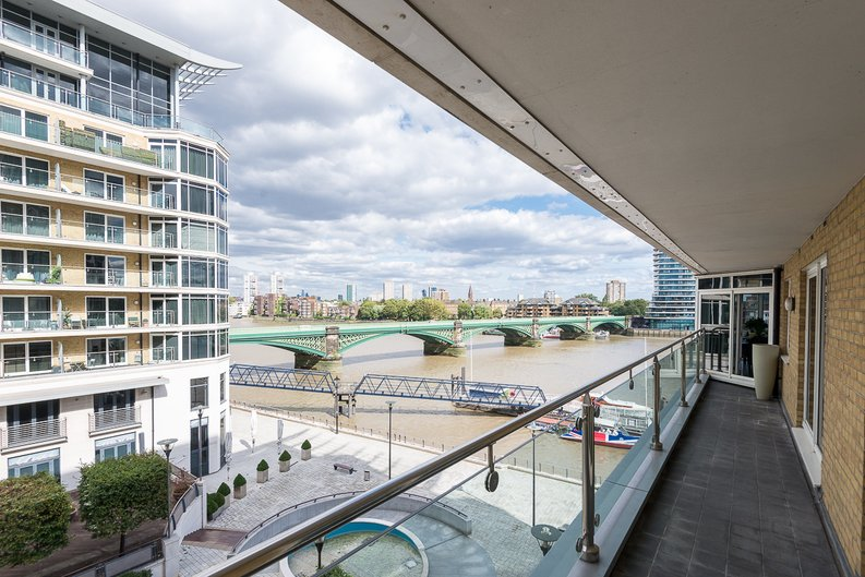 3 bedroom(s) apartment to sale in Riverside Tower , Imperial Wharf , London-image 9