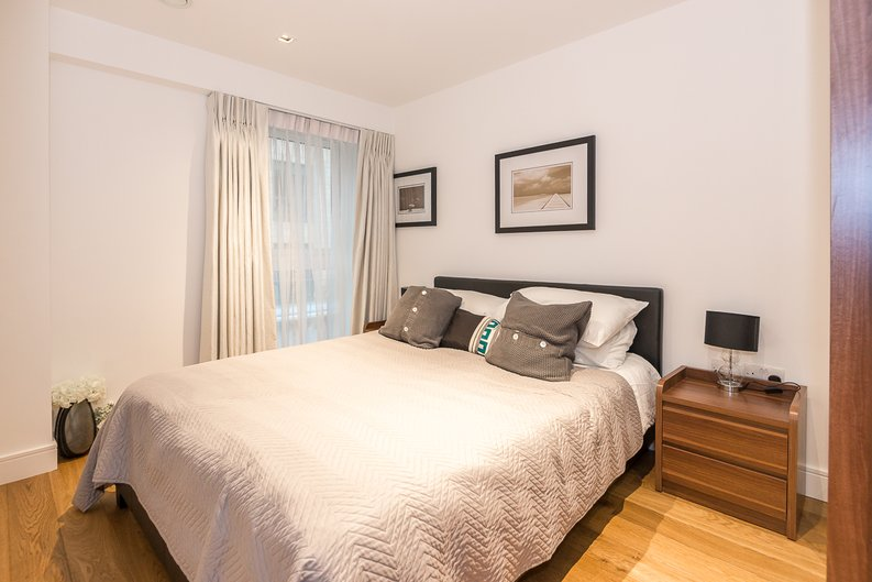 1 bedroom(s) apartment to sale in Fitzroy House, Dickens Yard, Ealing-image 5