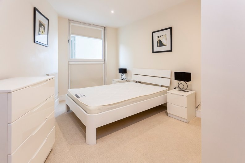 1 bedroom(s) apartment to sale in Cobalt Point, Lanterns Court, Millharbour, Canary Wharf-image 2