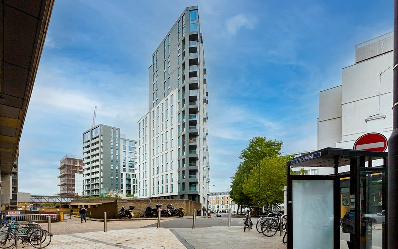 2 bedroom(s) apartment to sale in Marquis House, Sovereign Court, Hammersmith-image 20