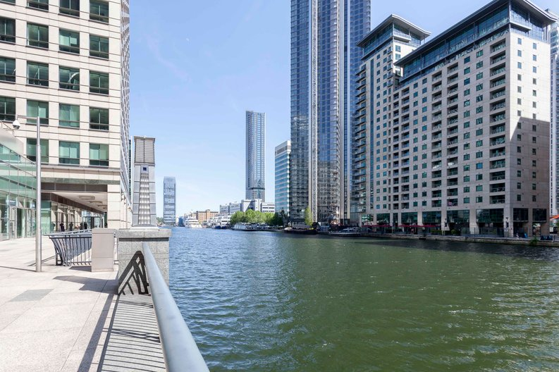 1 bedroom(s) apartment to sale in The Madison, Marsh Wall, Canary Wharf-image 11