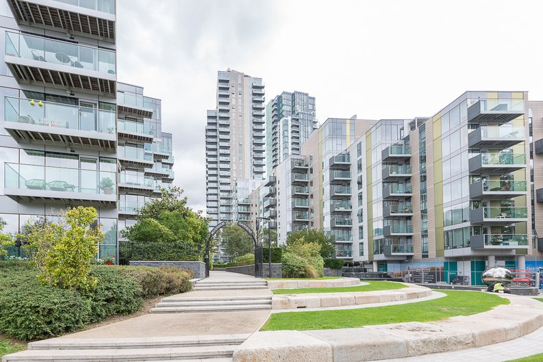 2 bedroom(s) apartment to sale in Goodchild Road, Woodberry Down, London-image 21