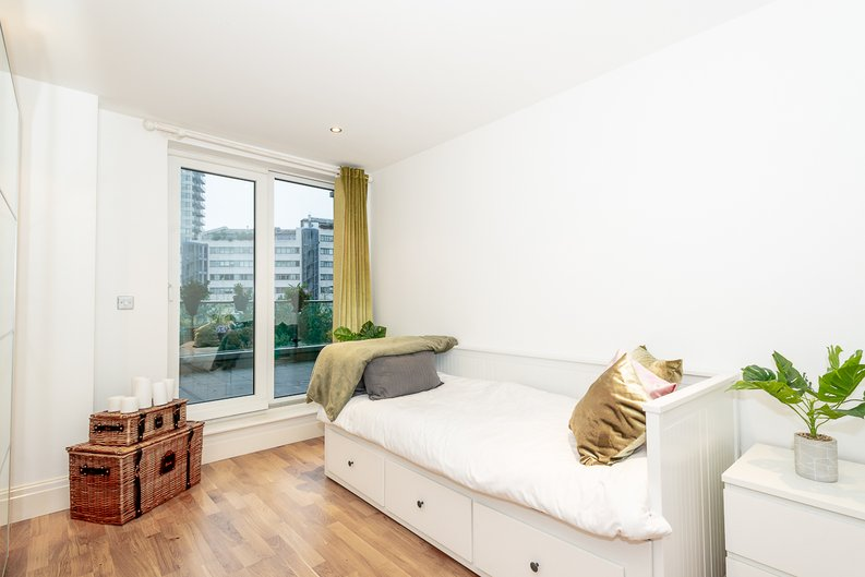 2 bedroom(s) apartment to sale in Harbour Reach, Imperial Wharf, London-image 18