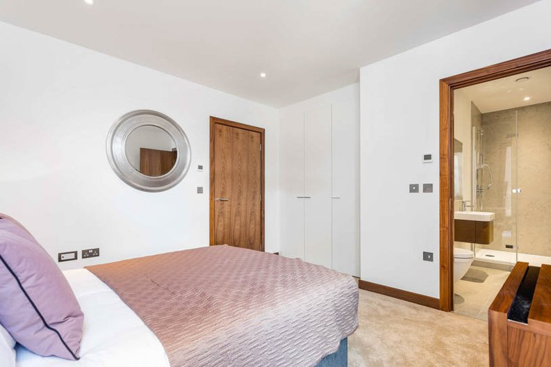 2 bedroom(s) apartment to sale in Beaufort Court, Maygrove Road, West Hampstead, London-image 8