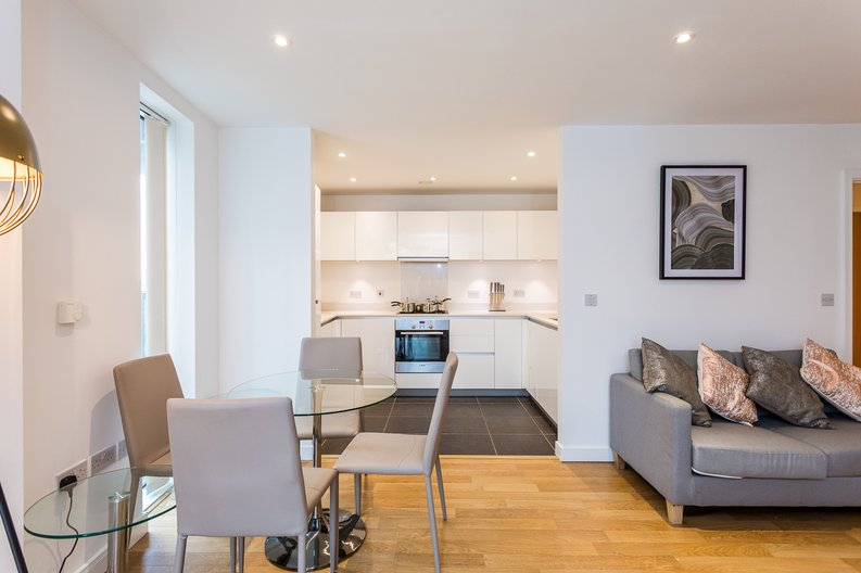 2 bedroom(s) apartment to sale in Riverside Apartments, Goodchild Road, Woodberry Down, Manor House-image 2