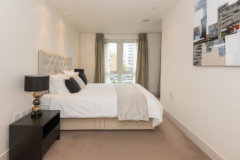 3 bedroom(s) apartment to sale in Doulton House, Park Street, Chelsea Creek-image 9