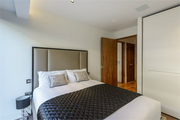 1 bedroom(s) apartment to sale in Wood Street, Barbican, London-image 2