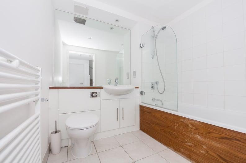 2 bedroom(s) apartment to sale in Metcalfe Court, John Harrison Way, Greenwich Millennium Village , Greenwich-image 6