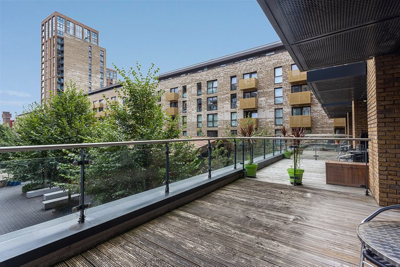 1 bedroom(s) apartment to sale in Seafarer Way, Surrey Quays, London-image 5