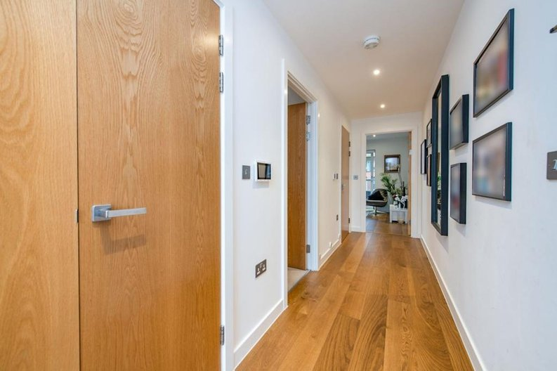 1 bedroom(s) apartment to sale in Newington House, 10 Lismore Boulevard, Colindale Gardens-image 12