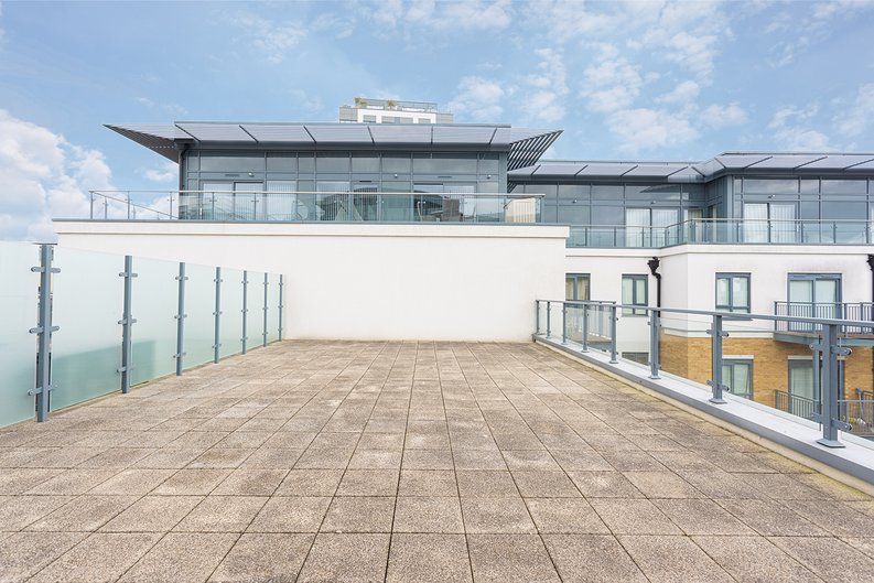 3 bedroom(s) apartment to sale in Boulevard Drive, Colindale, London-image 25