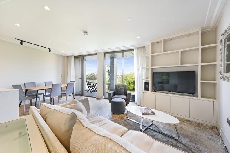 2 bedroom(s) apartment to sale in Queens Wharf, 2 Crisp Road, Hammersmith-image 2