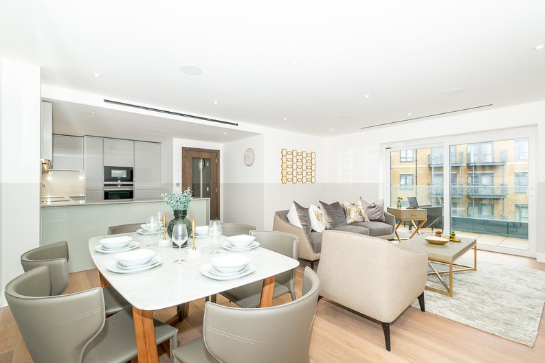 3 bedroom(s) apartment to sale in Chapman House, 24 Aerodrome Road, Beaufort Park , London-image 4