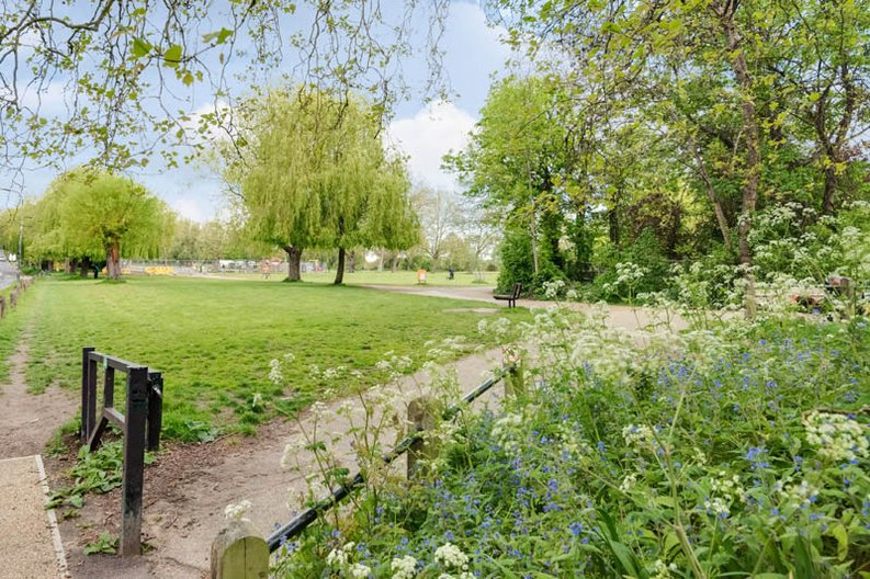 1 bedroom(s) apartment to sale in South End Road, Hampstead, London-image 5