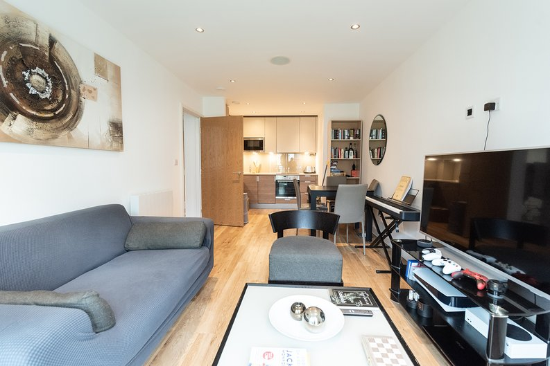 1 bedroom(s) apartment to sale in Eldon House, Beaufort Park, Colindale-image 1