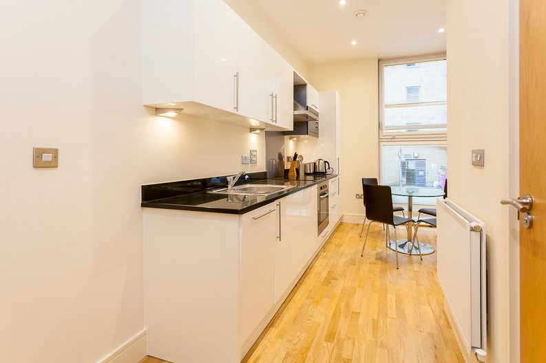 1 bedroom(s) apartment to sale in Denison House, Lanterns Way, Canary Wharf-image 3