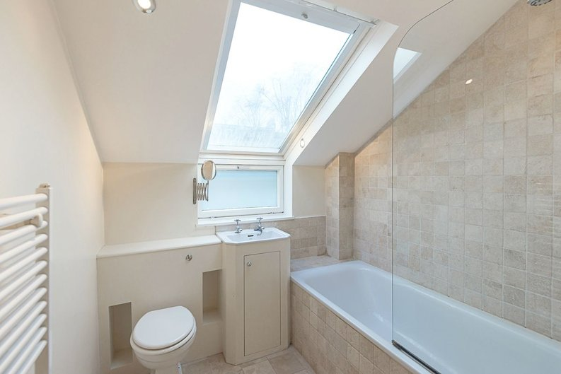 1 bedroom(s) apartment to sale in Oxford Gardens, London-image 5
