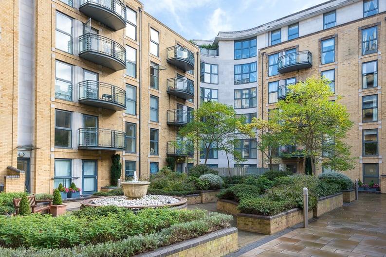 2 bedroom(s) apartment to sale in Chelsea Gate Apartments, 93 Ebury Bridge Road, Sloane Square-image 5