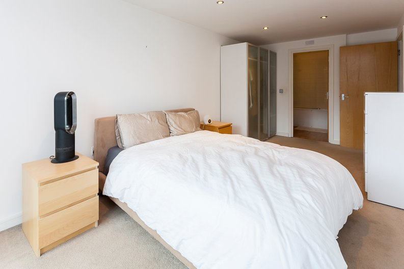 2 bedroom(s) apartment to sale in Building 50, Argyll Road, Royal Arsenal Riverside, London-image 5