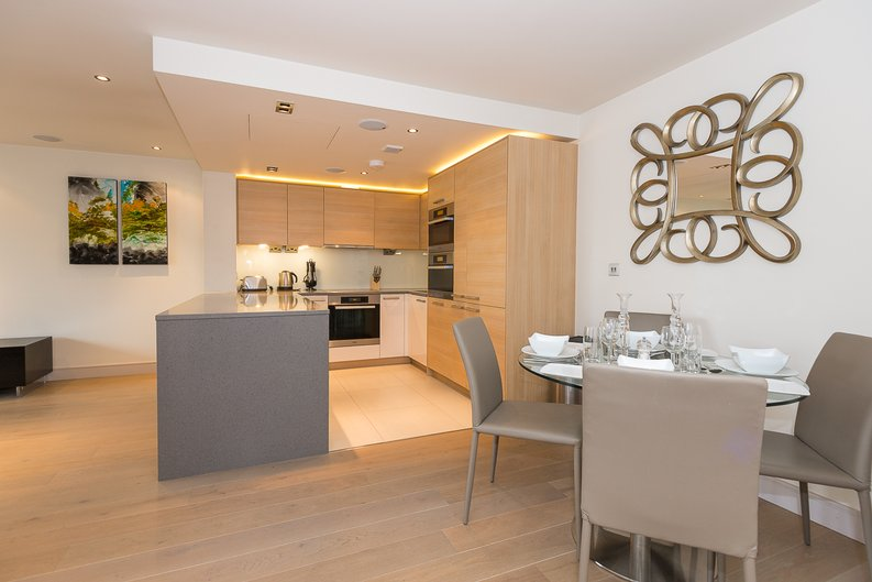 3 bedroom(s) apartment to sale in Doulton House, Park Street, Chelsea Creek-image 4