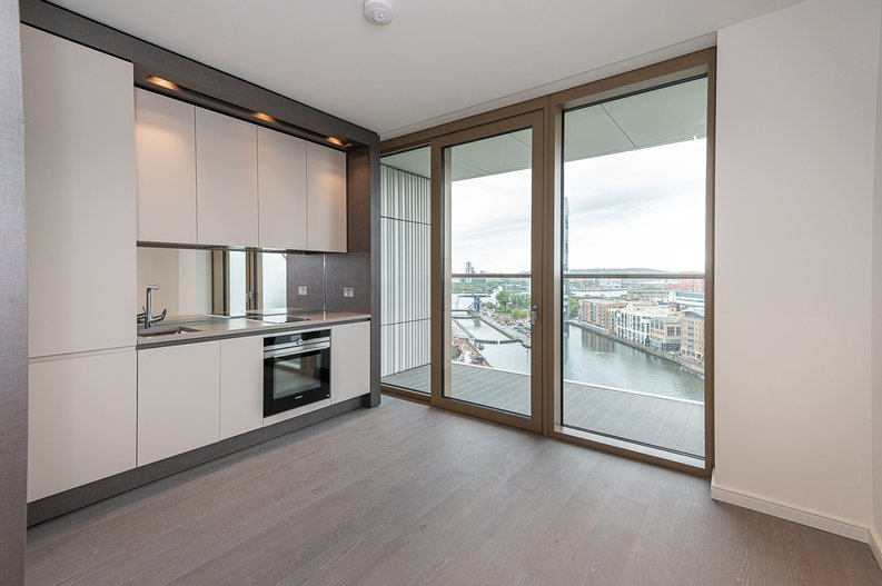 Studio apartment to sale in One Park Drive, Canary Wharf, London-image 3