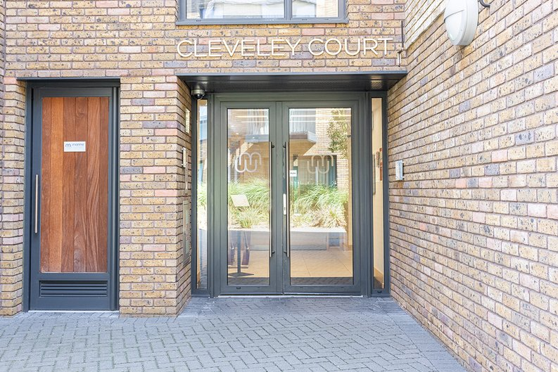1 bedroom(s) apartment to sale in Ashton Reach, Surrey Quays, London-image 9